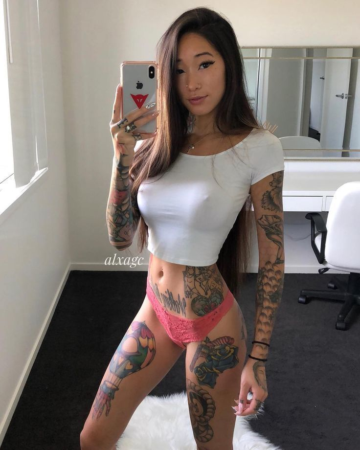 Sexy babe selfies
