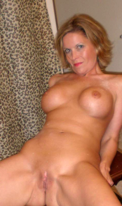 Mature shaved pussy naked