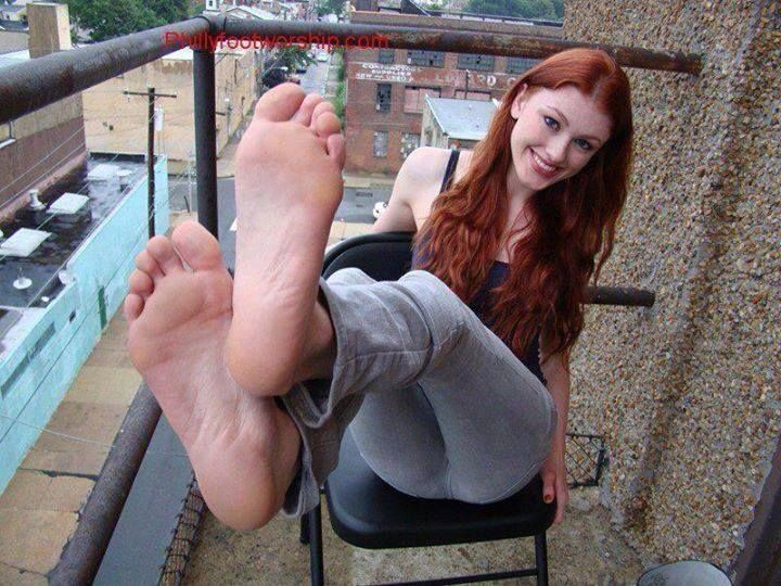 Sexy ginger feet